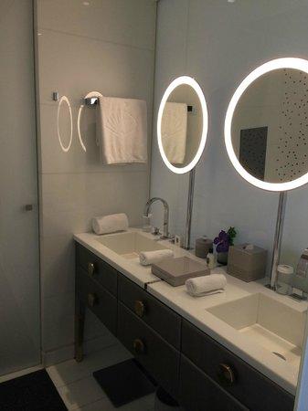 Mandarin Oriental, Paris: Salle de bain