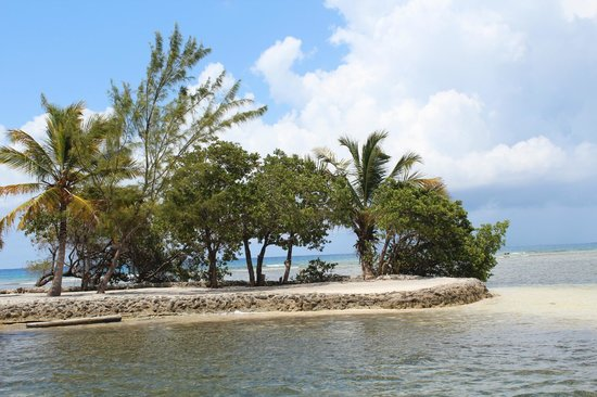 Turneffe Flats: Views around the Turneffe Atoll