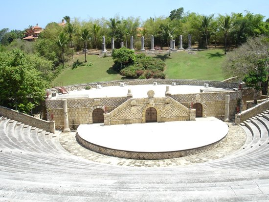 Casa de Campo Re: Coliseo en Altos de Chavon