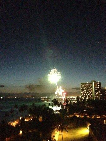 Waikiki Shore: ヒルトンの花火
