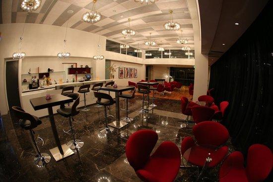 Altius Boutique Hotel: ALL STARS LOUNGE
