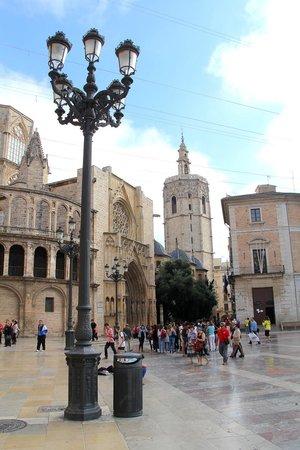 Plaza de la Virgen : plaza