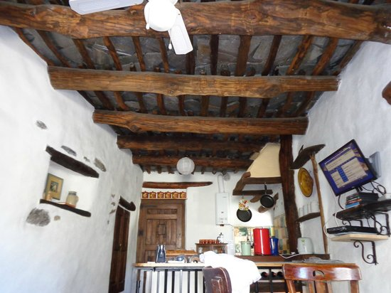 Cuevas de la Mora Luna : the slate ceiling in the village house