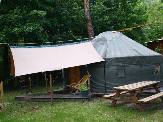 Camping le Reclus : Yourte