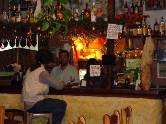 Cuevas de la Mora Luna : The bar