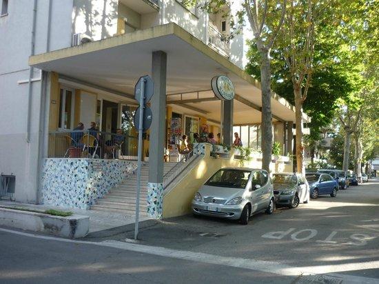 Hotel Alabama Rimini: Уютная веранда
