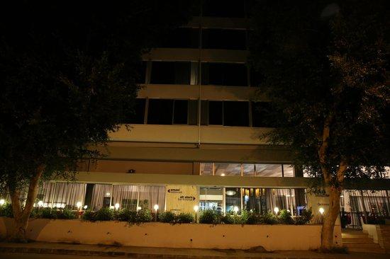 Altius Boutique Hotel: EXTERIOR