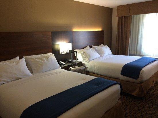 Holiday Inn Express Grand Canyon: room bed
