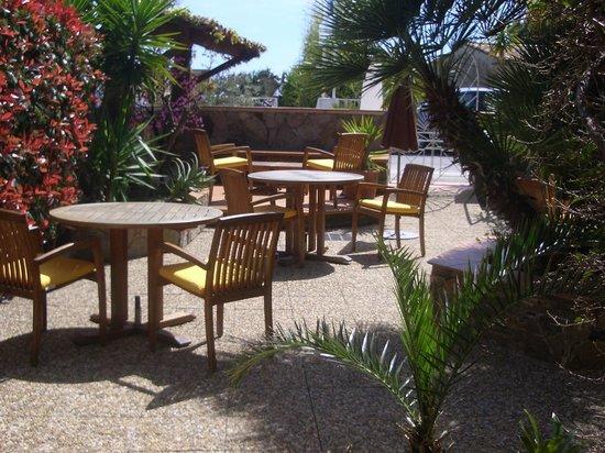 Beau Soleil : La terrasse.
