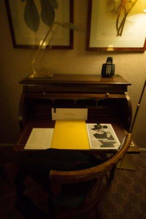 Savigny Hotel Frankfurt City: Room