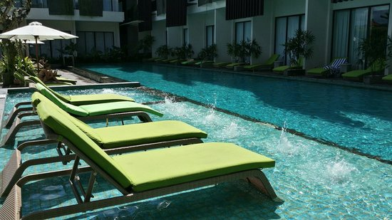 four points by sheraton bali seminyak piscine transat - Transat Piscine