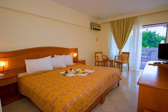 Hotel Porfi Beach: Double room