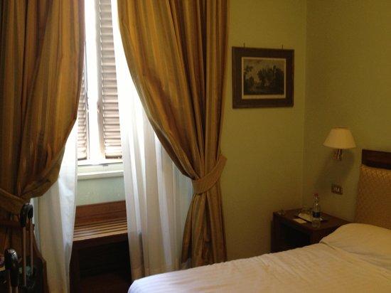 9 Hotel Cesari : Twin Room