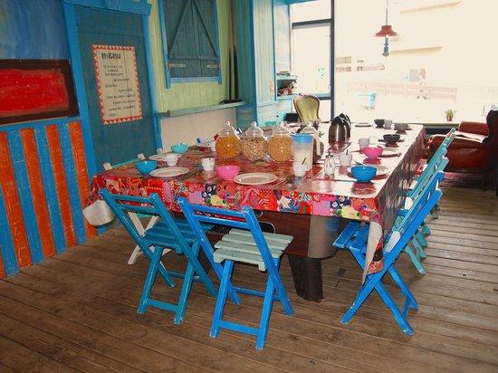 Flying Pig Beach Hostel Free Breakfast