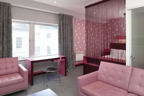 The Big Sleep Hotel Cheltenham: Executive Suite - Room 216