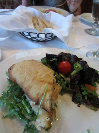 Antonia's: Sandwich au poisson