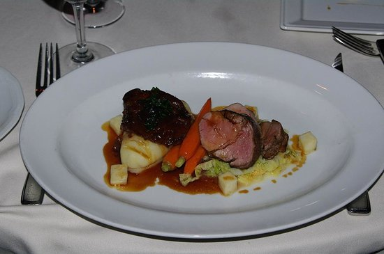 Bacchus Restaurant & Lounge: Slow cooked veal cheek and perfect veal loin!