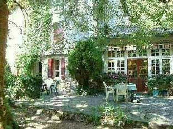 Le Vieux Moulin de la Maque : terrace in front of bed and breakfast sitting room