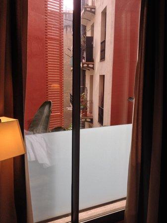 Hotel Jazz: No view but quiet