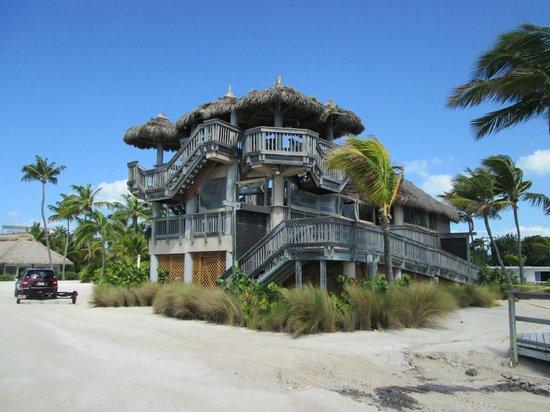 Postcard Inn Beach Resort & Marina at Holiday Isle: Rum Runner bar