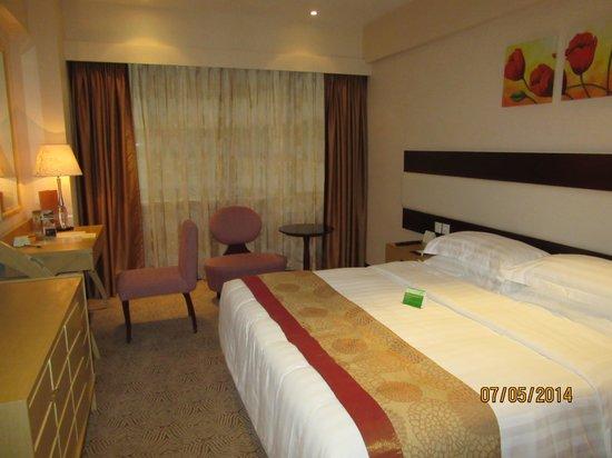 Casa Real Hotel: 綺麗で広い室内