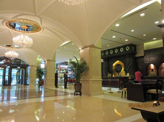 Casa Real Hotel: ホテルのロビー2
