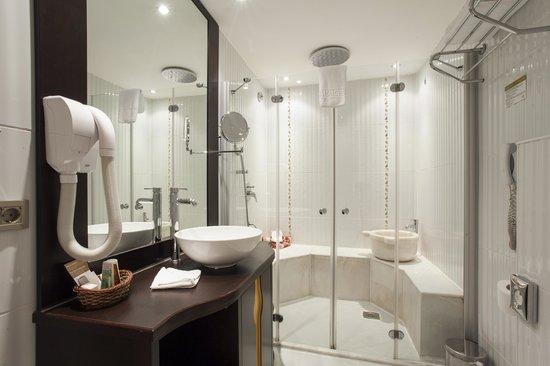 Ottoman Hotel Park: Deluxe Room Bathroom Hammam Concept