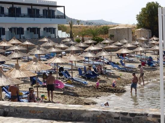 Nana Beach Hotel: pretty little beach