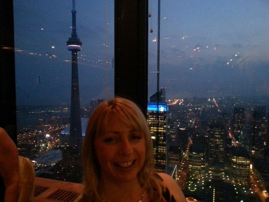 Canoe Restaurant & Bar: CN Tower backdrop