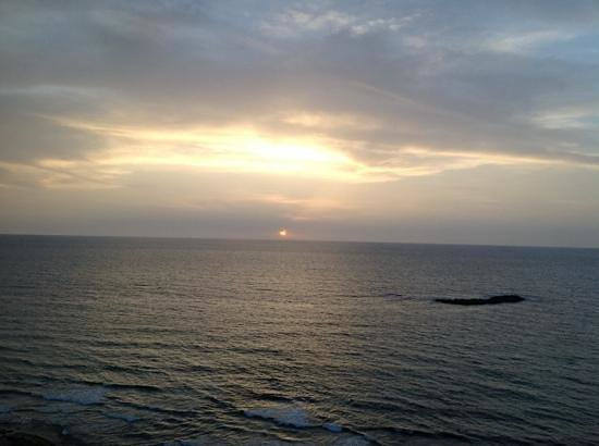 Hilton Alexandria Corniche : sunset view from 8th floor