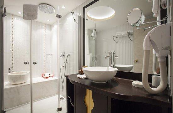Ottoman Hotel Park : Deluxe Room Bathroom Hammam Concept