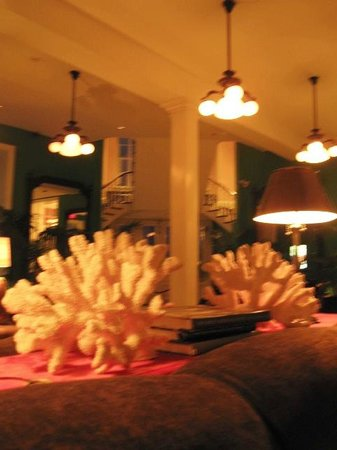 Congress Hall: Coral decor