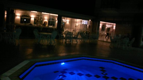 Lagoon Hotel: pool N bar