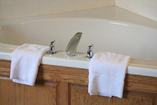 New Victorian Inn & Suites - Kearney : Jacuzzi