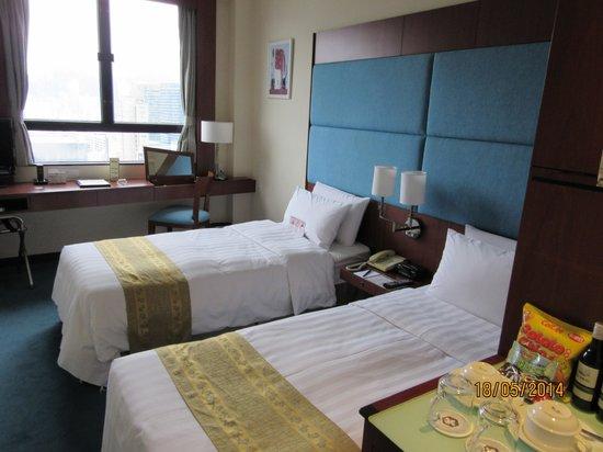 B P International: ホテルの部屋(普通)