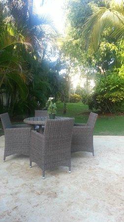 Grand Paradise Samana: outside our room