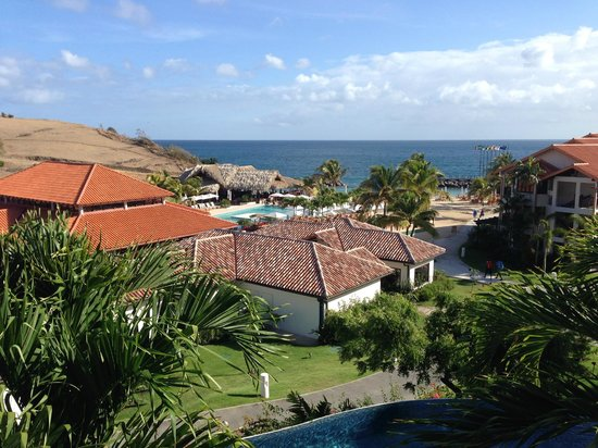 Sandals LaSource Grenada Resort and Spa : We could see the resort and ocean from our room.