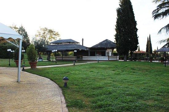 Ayre Hotel Cordoba: ホテル庭