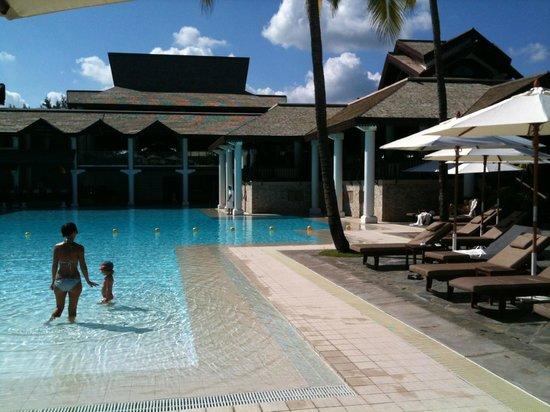 Swimming pool picture of sofitel mauritius l 39 imperial for Swimming pool mauritius