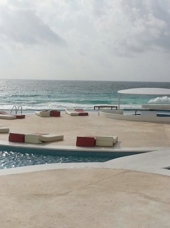 Bel Air Collection Resort & Spa Cancun: Nice pool area with lots of seating and cabanas