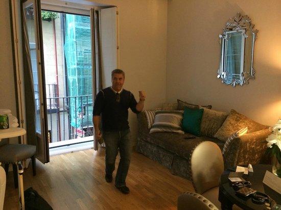 Splendom Suites Gran Via: Living room