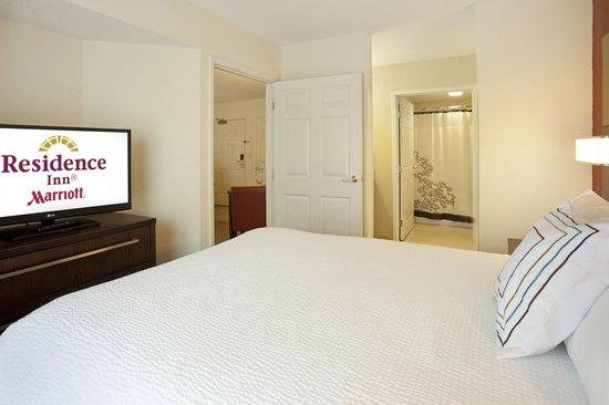 Residence Inn Fort Wayne: One Bedroom Suite