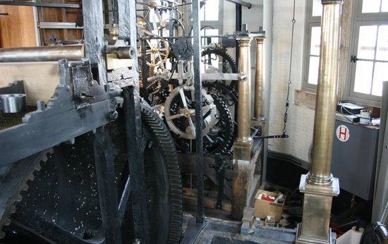 Belfort: The clock mechanism