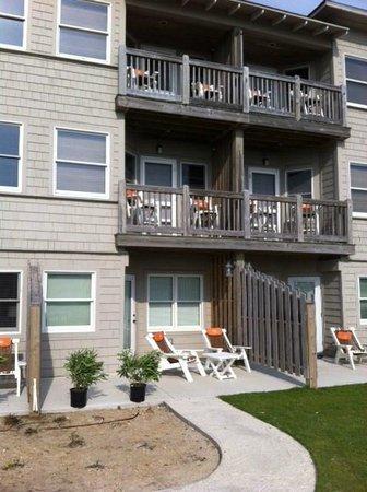 Sanderling Resort: Small decks in south building
