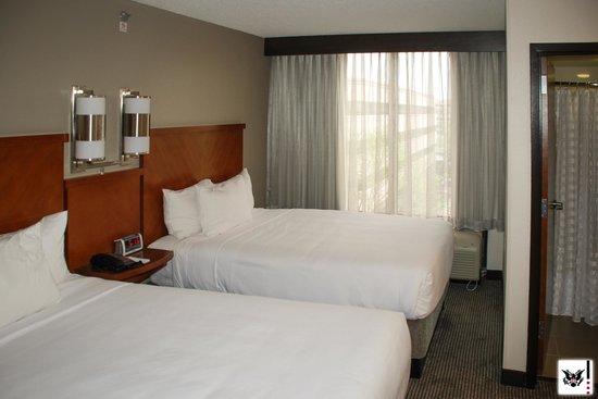 Hyatt Place Secaucus/Meadowlands : Room - Two queen beds