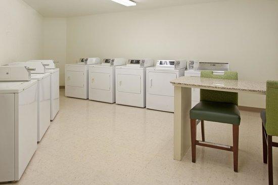 Residence Inn Fort Wayne: Guest Laundry