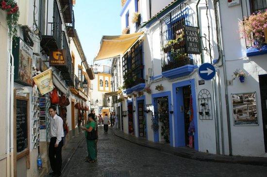 Jewish Quarter (Juderia): La Juderia di Cordova e i suoi colori