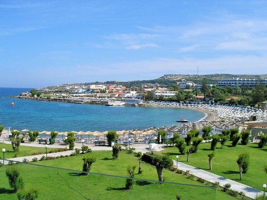 Eden Roc Resort Hotel & Bungalows: View from Room 210