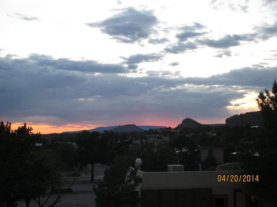 BEST WESTERN PLUS Inn of Sedona: Sunset from balcony