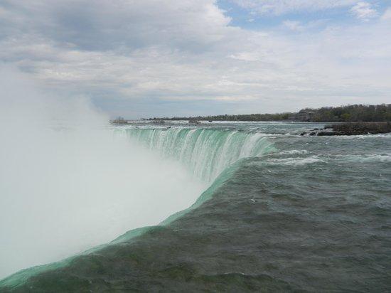 Embassy Suites by Hilton Niagara Falls Fallsview Hotel : Horseshoe Falls